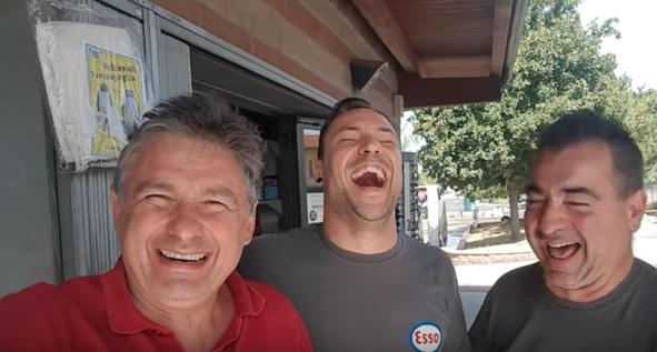 Alessandro Paci - Barzelletta Il bordello a conduzione familiare