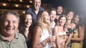 Barzelletta Il locale d'oro! con Benedetta Rossi