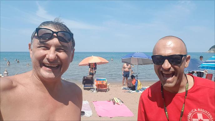 Alessandro Paci - Barzelletta Il bagnino previdente